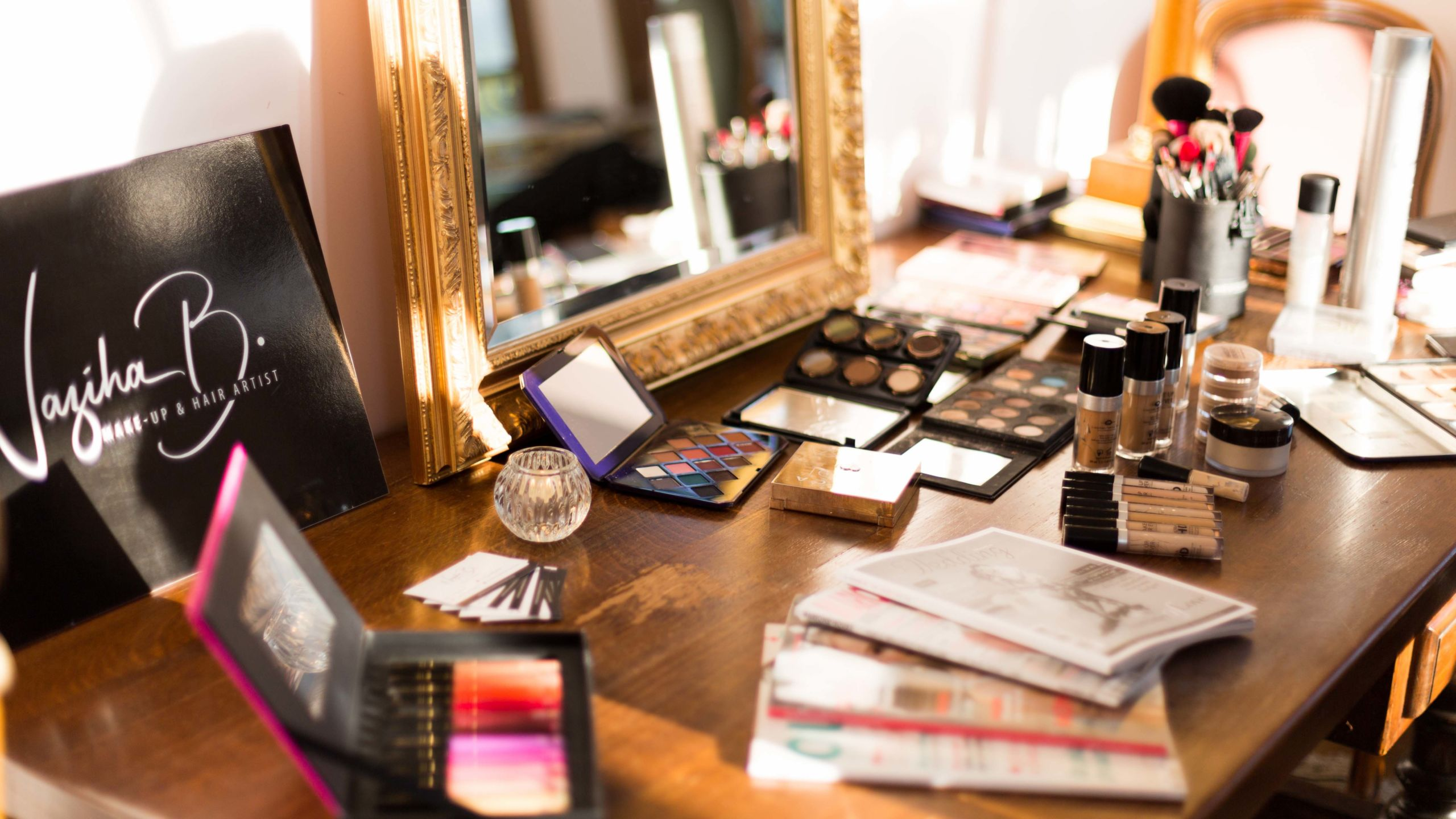 palettes et accessoires de maquillage-Wedding Planner Reims-Perfect Moment by A